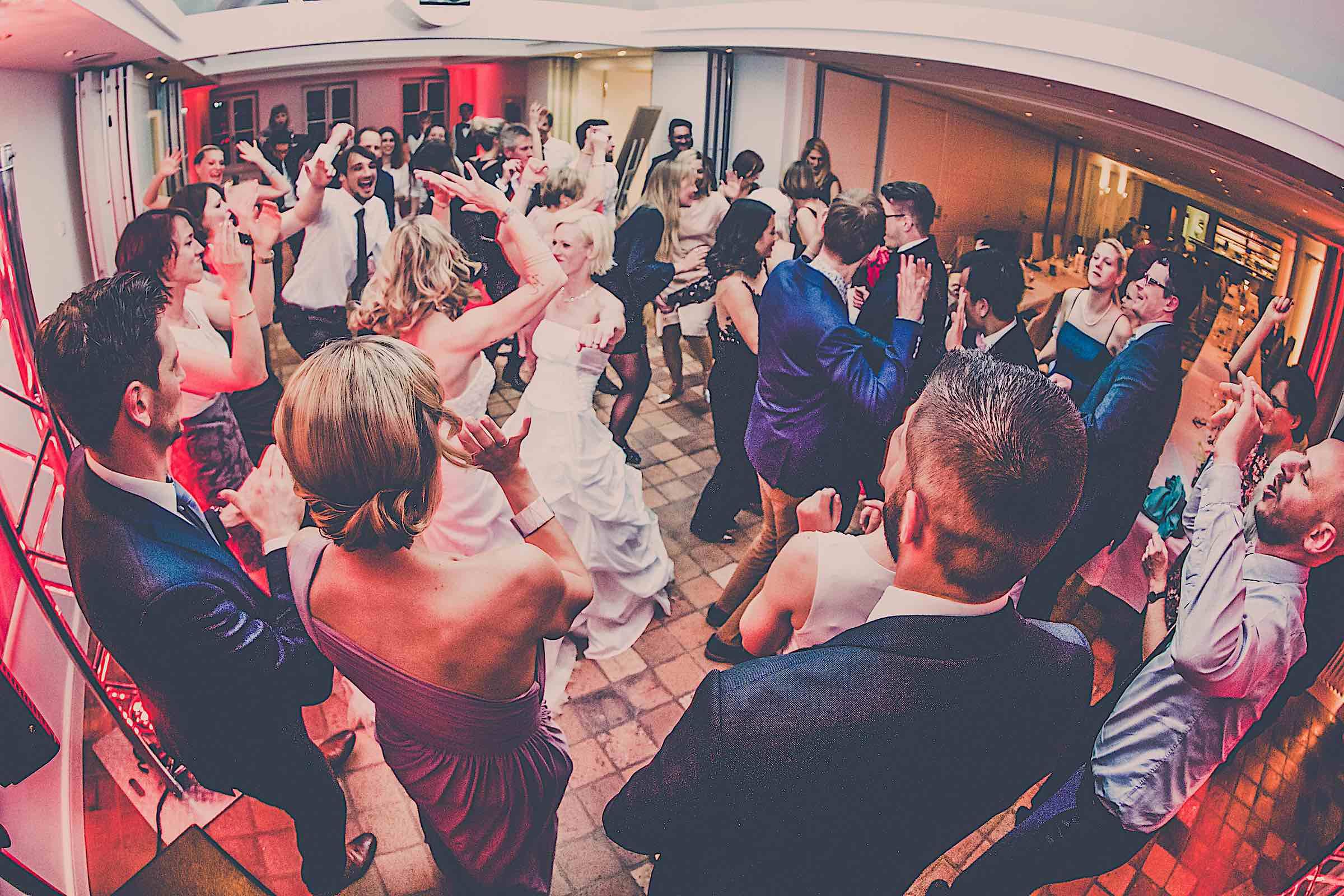 DJ | Braunschweig | Hannover | Hildesheim | Hochzeits | DJ | Firmenevent | Firmenfeier | DJ | Geburtstag | DJ | Messe | DJ | Sommerfest | Buchen | Mieten | Lehmann | Eventservice