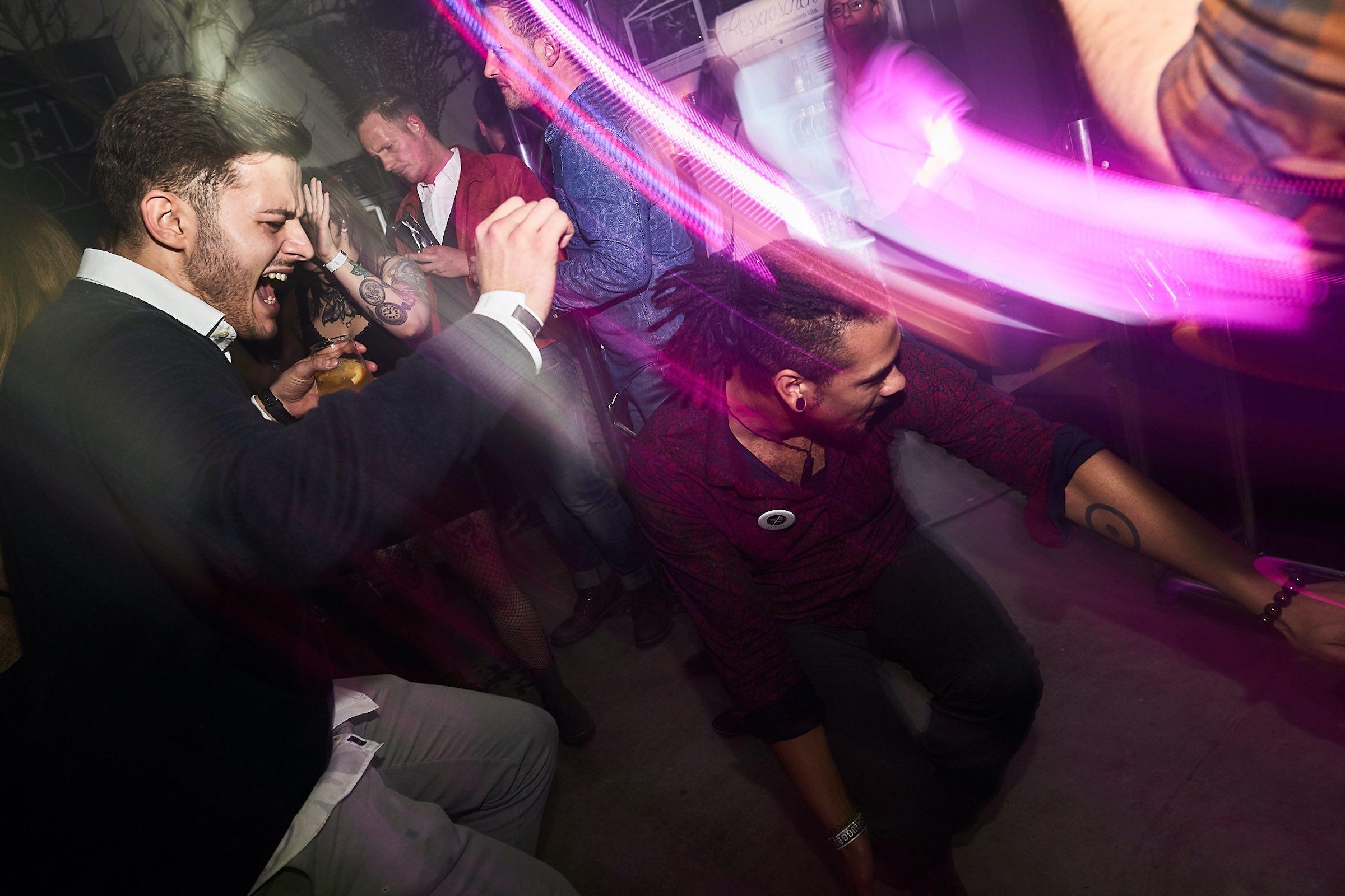 DJ | Hannover | DJ | Braunschweig | DJ | Hameln | DJ | Agentur | DJ | Service | DJ | Messe | DJ | Firmenevent | Firmenfeier | DJ | Weihnachtsfeier | DJ | Sommerfest | DJ | Betriebsfeier | Anfragen | Buchen | Lehmann | Eventservice