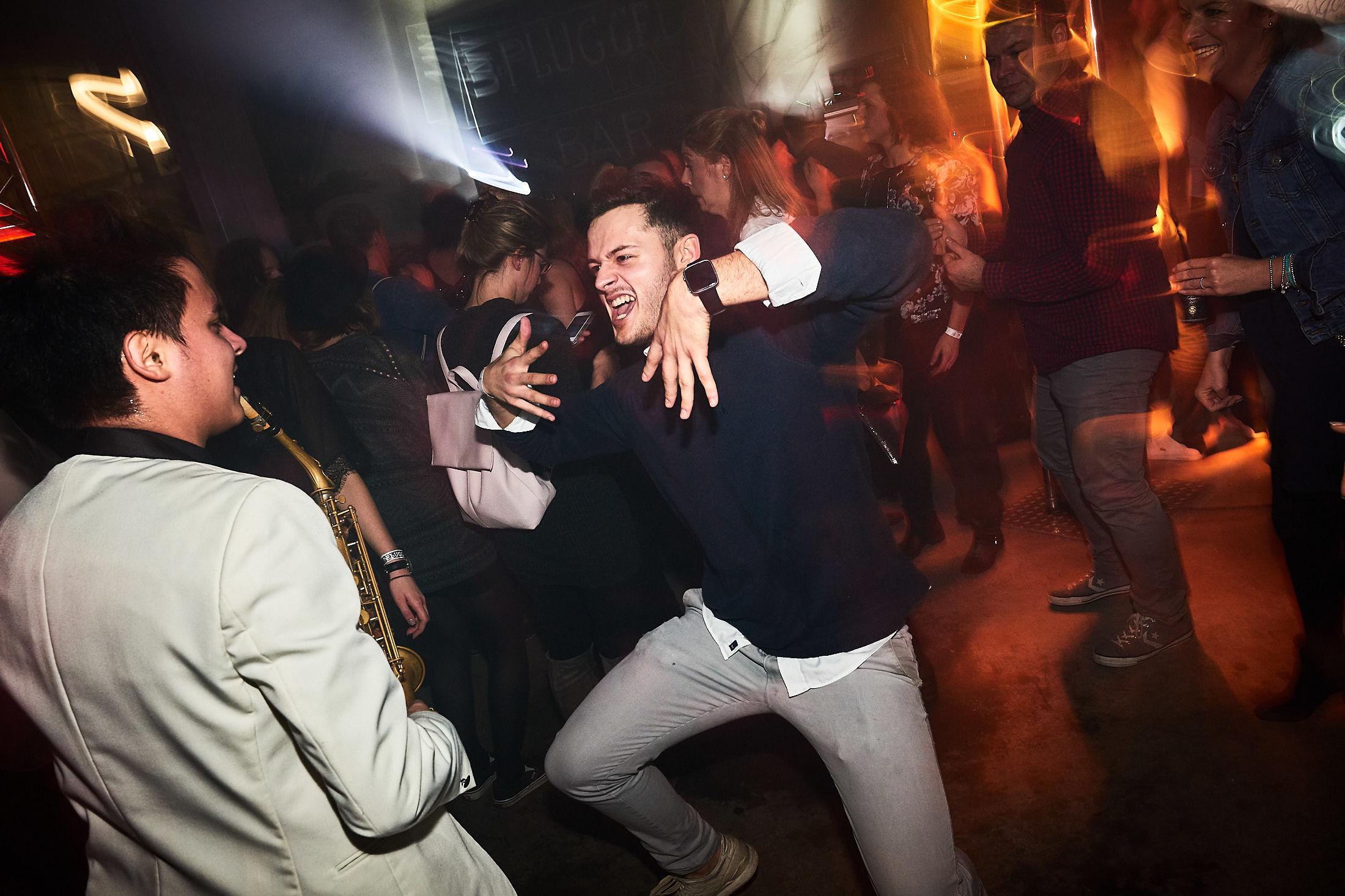 DJ | Hannover | DJ | Braunschweig | DJ | Peine | DJ | Agentur | DJ | Service | DJ | Messe | DJ | Firmenevent | Firmenfeier | DJ | Weihnachtsfeier | DJ | Sommerfest | DJ | Weihnachtsfeier | Buchen | Anfragen | Lehmann | Eventservice
