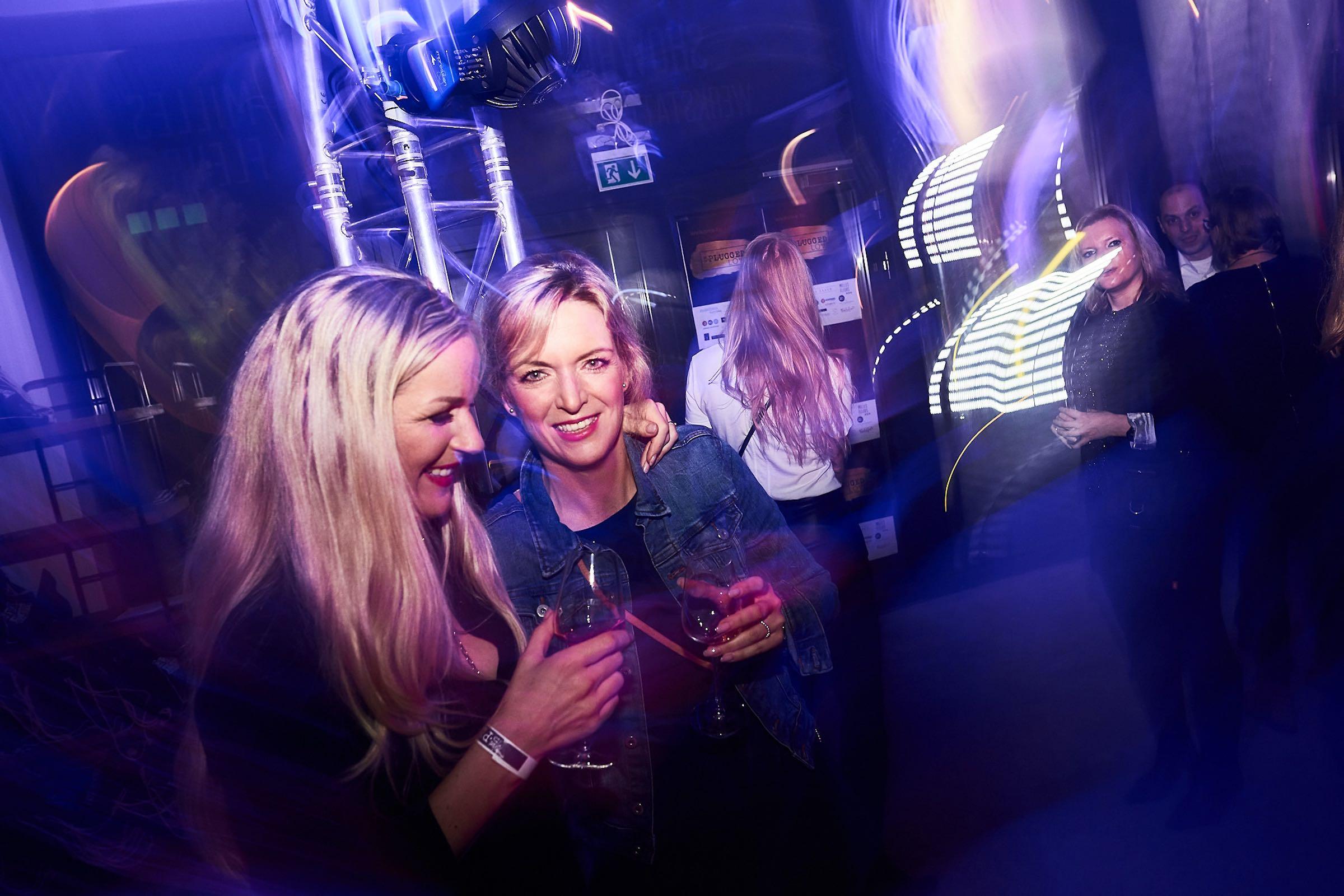 DJ | Hannover | Hannover | DJ | Messe | Hochzeits | DJ | Firmenevent | Firmenfeier | DJ | Geburtstag | DJ | Weihnachtsfeier | DJ | Sommerfest | Buchen | Mieten | Lehmann | Eventservice