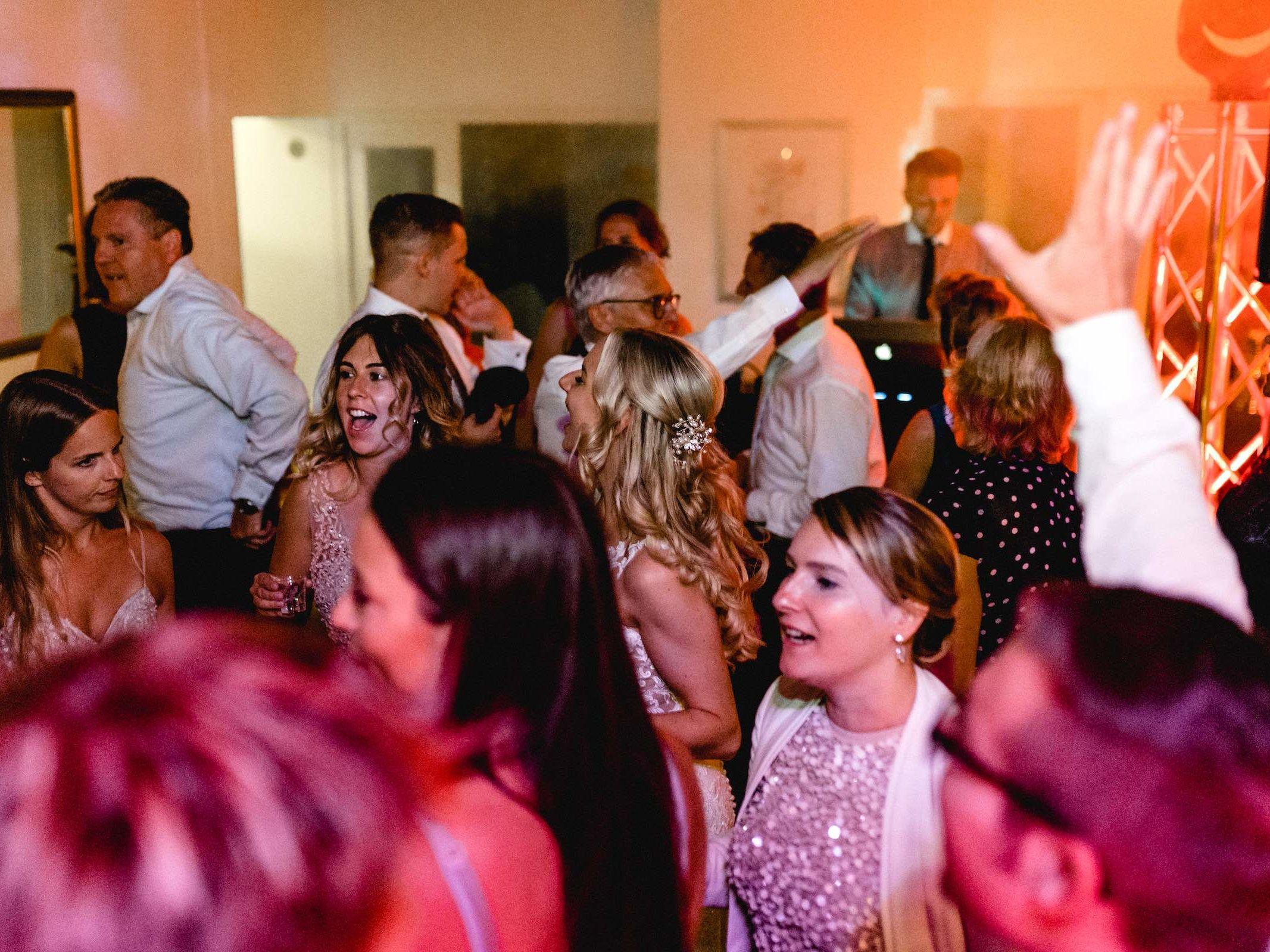 Dj | Hannover | Hochzeit | DJ | Buchen | Hannover | DJ | Firmenfeier | DJ | Geburtstag | DJ | Betriebsfeier | DJ | Buchen | Discjockey | Mieten | DJ | Agentur | DJ | Timm | Lehmann | Eventservice