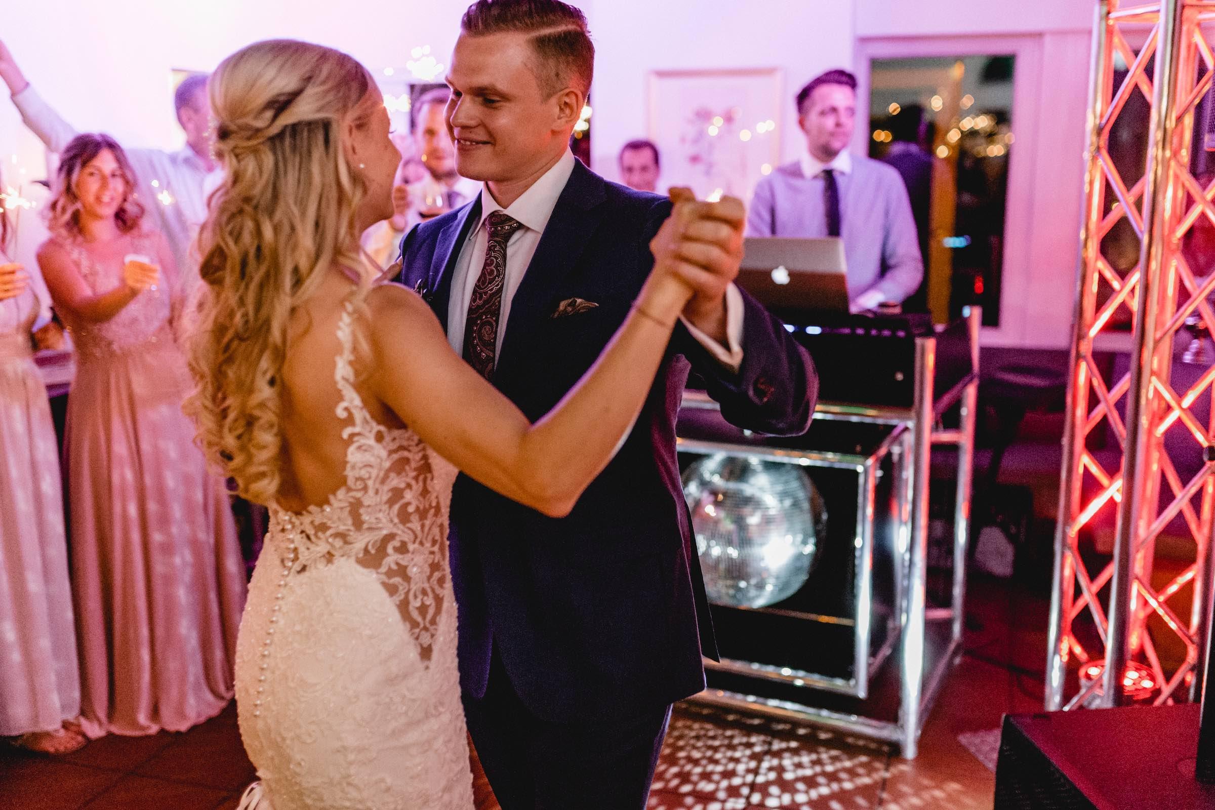 Dj | Hannover | Hochzeit | DJ | Buchen | Hannover | Hochzeits | DJ | Eräffnungstanz | Brauttanz | DJ | Betriebsfeier | DJ | Buchen | Discjockey | Mieten | DJ | Agentur | DJ | Timm | Lehmann