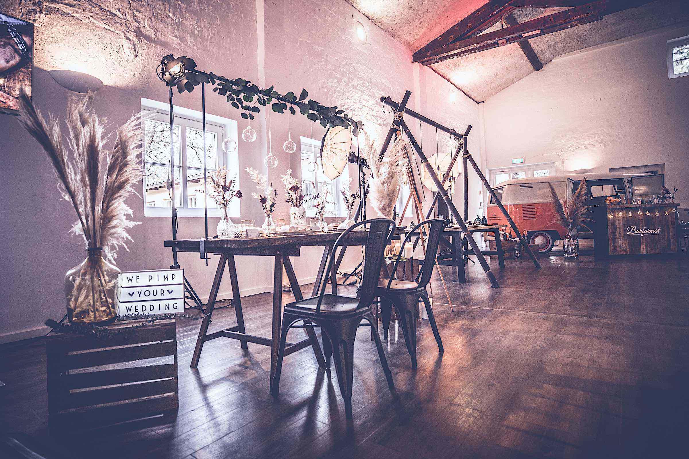 Eventplaner | Hochzeitsplaner | Dekoration | Zeltbau | Pavillon | Hochzeiten | Modenschauen | Firmenfeiern | Galas | Shows | Technik | Logistik | Lieferung | Hannover | Braunschweig | Bremen | Hildesheim | Künstler
