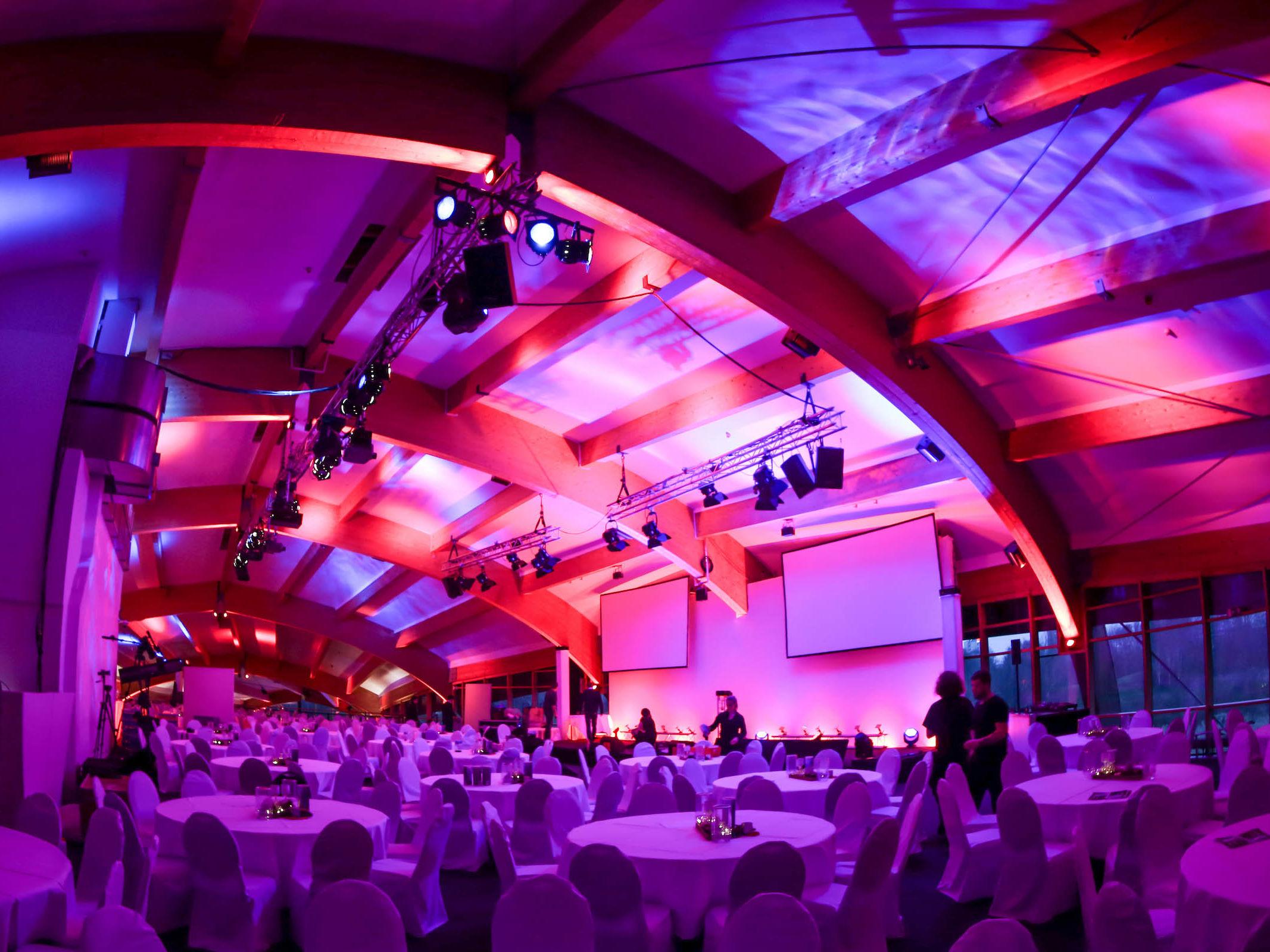 Eventplanung   Eventaustattung   Eventplaner   Firmenfeier   Modenschau   Kongress   Preisverleihung   Veranstaltungstechnik   Hannover   Lichttechnik   Tontechnik   Event   Mieten   Buchen