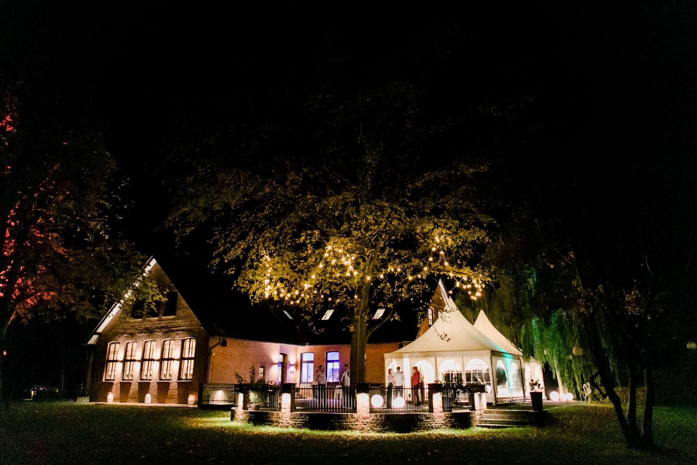 Häserhof | Reddestorf | Location | Referenz | DJ | Agentur | DJ | Service | Beleuchtung | Lichttechnik | Fotobox | Fotograf | Hochzeitsplaner | Envetplaner | Hochzeit | Firmenfeier | Hochzeitsmesse | Mieten | Buchen