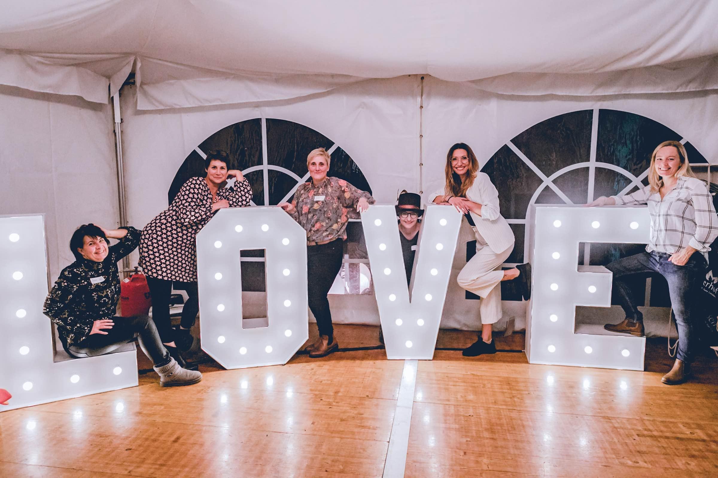 Häserhof | Reddestorf | Location | Referenz | Hochzeitsplaner | Eventplaner | Eventaustattung | Leuchtbuchstaben | LED | LOVE | Buchstaben | XXL | Mieten | Buchen | Lehmann | Eventservice