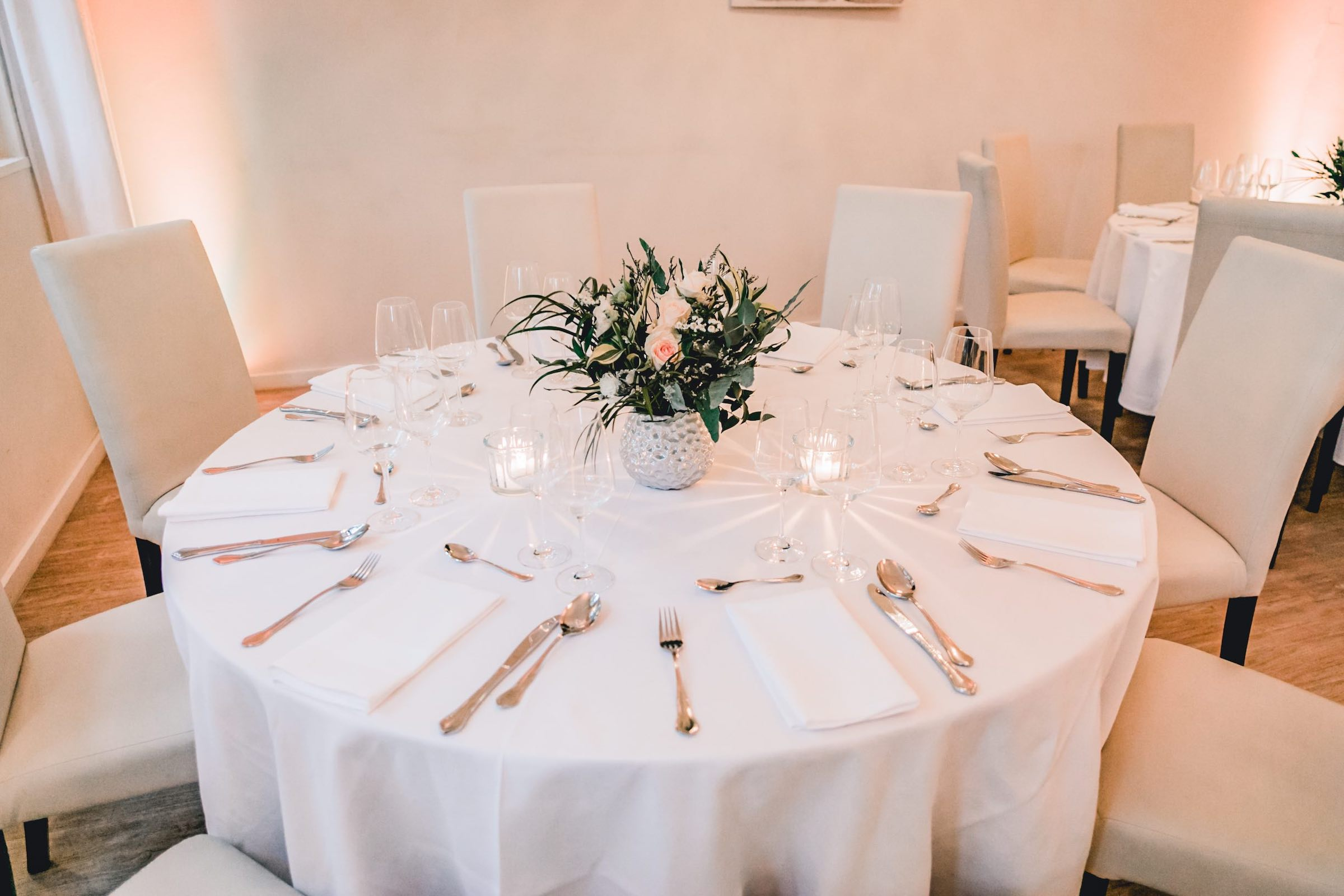 Häserhof | Reddestorf | Location | Referenz | Tischdekoration | Dekoration | Eventplaner | Hochzeitsplaner | Eventaustattung | Mieten | Buchen | Lehmann | Eventservice