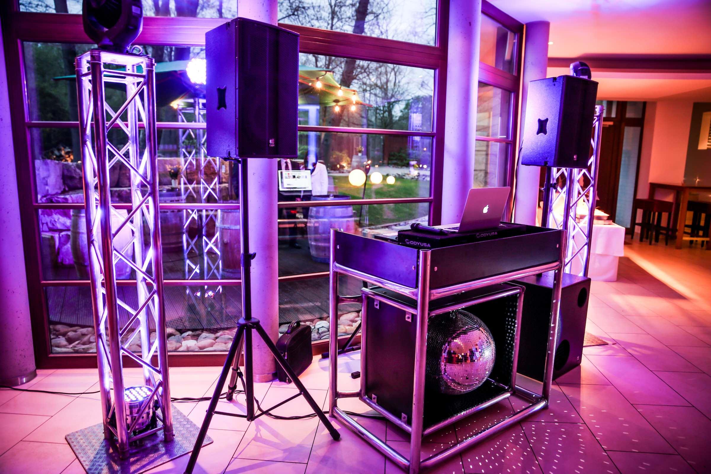 Landhaus   am   See   Hannover   Seehof   DJ   Technik   DJ   Agentur   DJ   Service   DJ   Buchen   DJ   Hochzeit   DJ   Mieten   Fotobox   Hannover   Lehmann   Eventservice