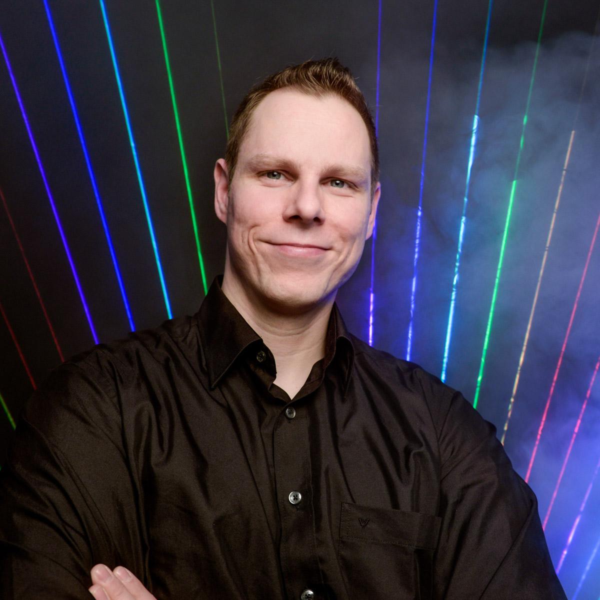 Lasershow |Lichtshow |Beamshow |Laser |Patrick |Heinrich |Technik |Hochzeit |Event |Lichtshow |Lightshow |Indoor |Lichttechnik |Outdoor |Bühnenshow |Präsentation |Event |Business |Mieten