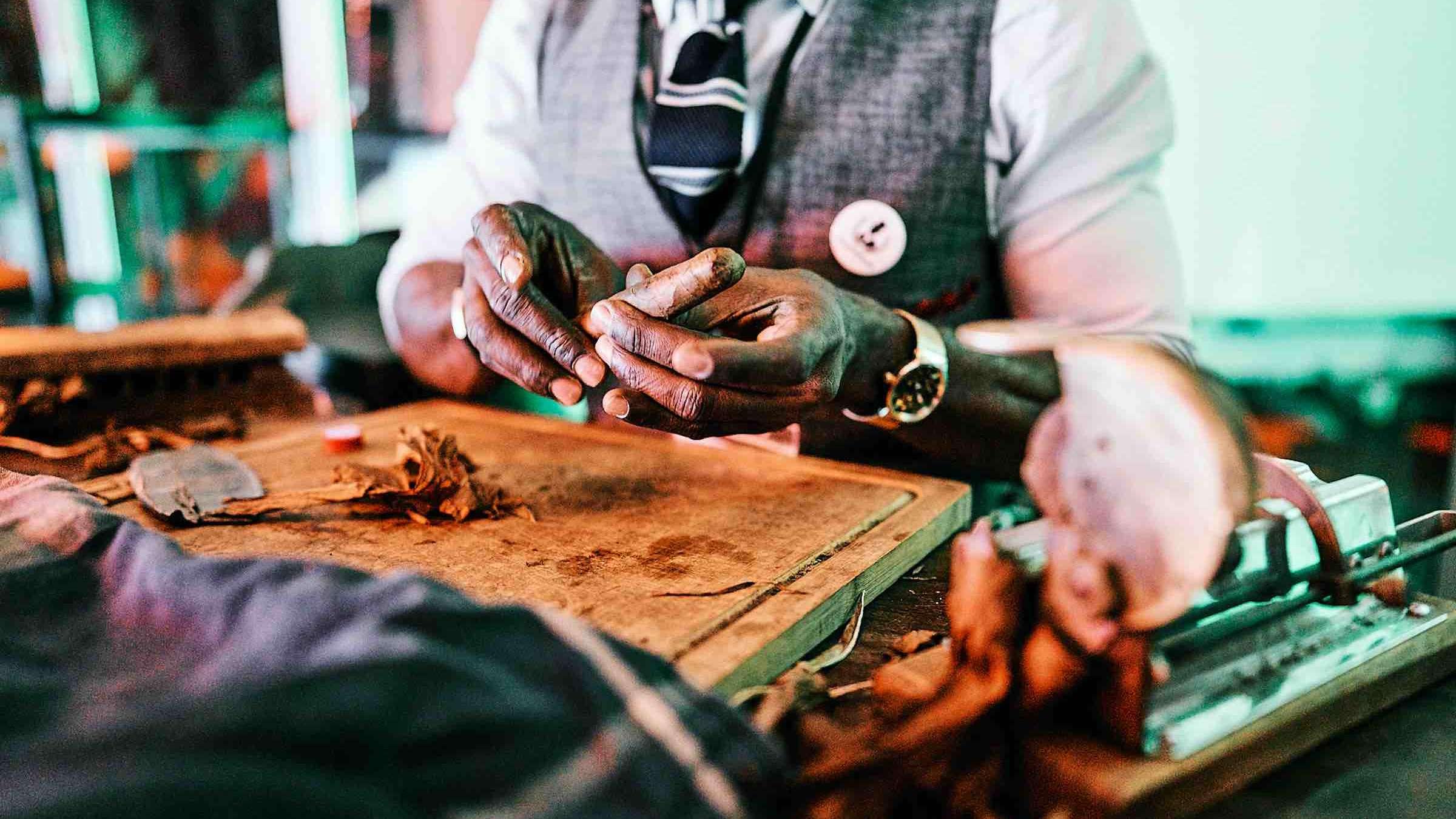 Lehmann |Eventservice |Partner |Zigarrenroller |Tabakroller |Handgemachte |Zigarren |Zigarrendreher |Buchen |Mieten |Anfragen