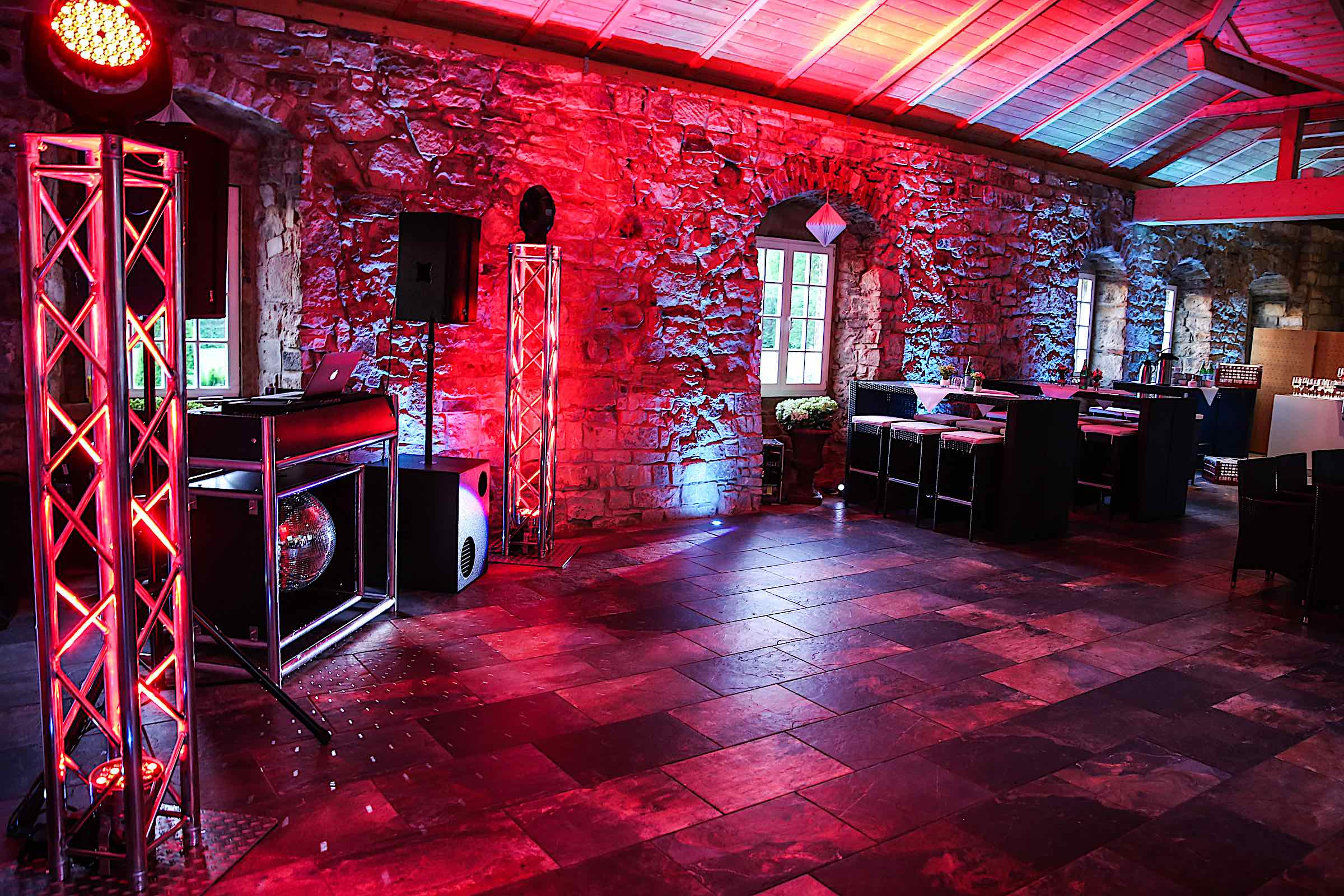 Schloss | Hammerstein | Apelern | Hochzeit | Geburtstag | Firmenfeier | Referenz | Location | DJ | Fotografie | Beleuchtung | Hochzeitsplanung | Hochzeitsplaner | Lehmann | Eventservice