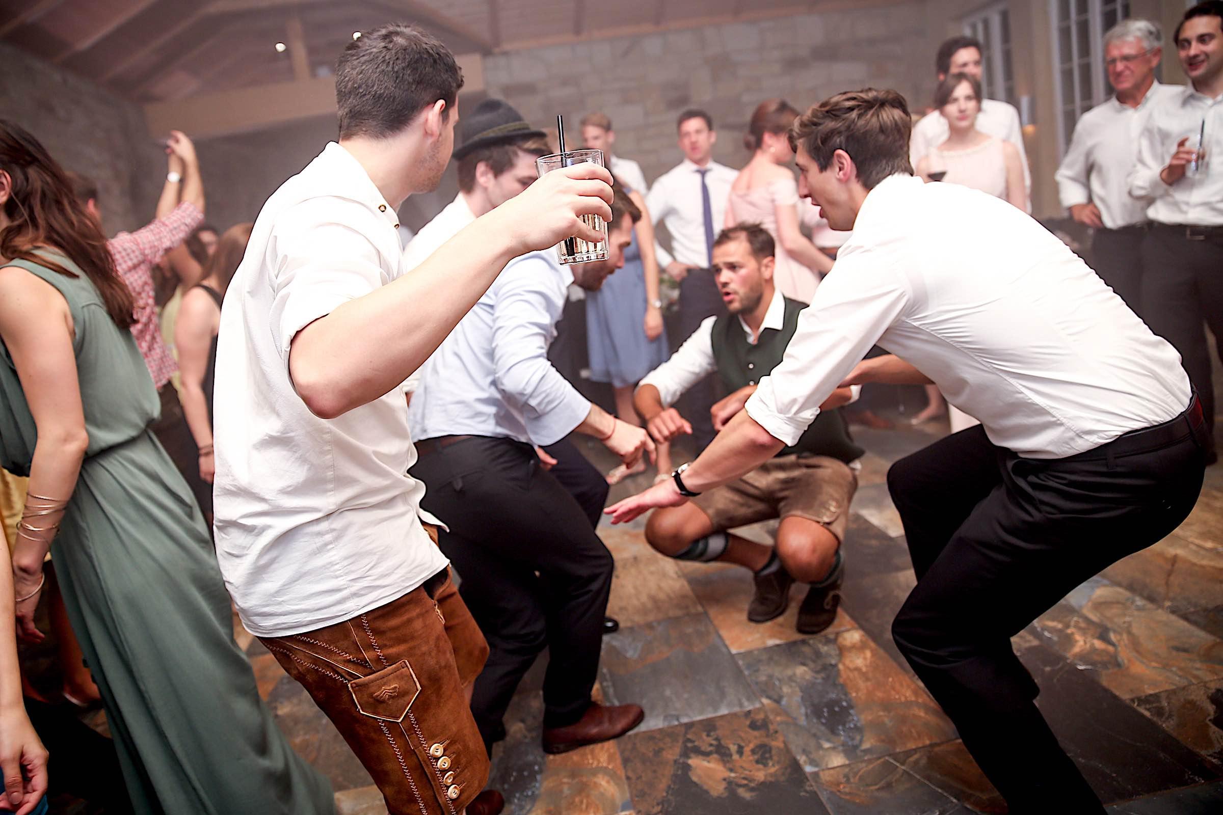 Schloss | Hammerstein | Apelern | Hochzeit | Geburtstag | Firmenfeier | Referenz | Location | DJ | Fotografie | Tanzfläche | Party | Hochzeitsplanung | DJ | Hochzeitsplaner | Lehmann | Eventservice