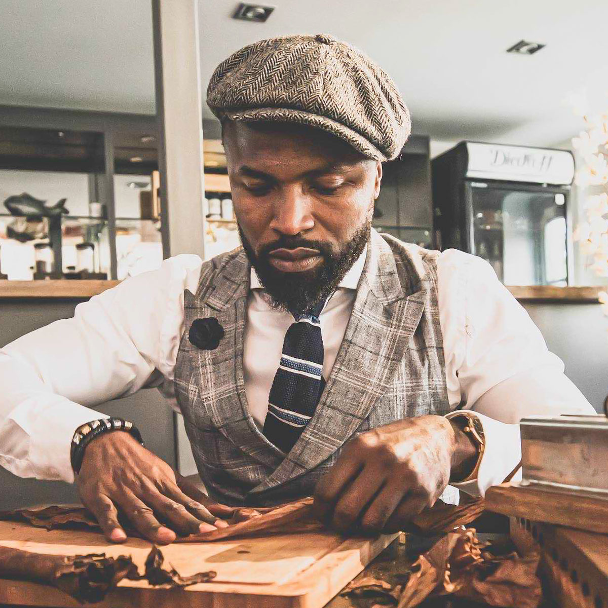Zigarrenroller |Zigarrendreher |Handgemachte |Zigarren |Zigarrenrollerin |Gala |Business |Event |Buchen |Mieten |Anfragen