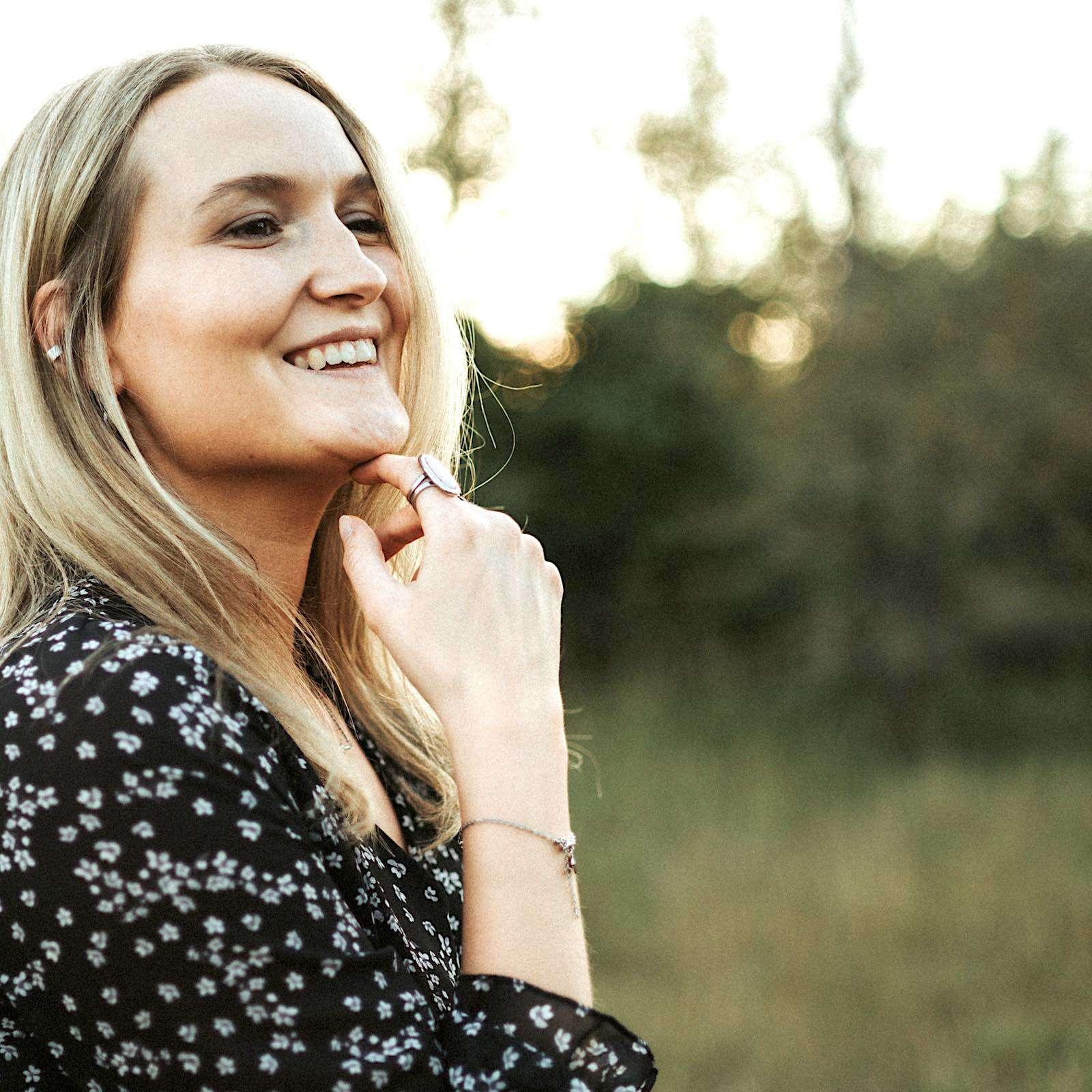 hochzeitssängerin | Hannover | Isabelle | Nagel | Sängerin | Kirchensängerin | Hochzeit | Lieder | Sängerin | Trauung | Sängerin | Trauung | Sängerin | Kirche | Preise | Buchen | Mieten | Lehmann | Eventservice