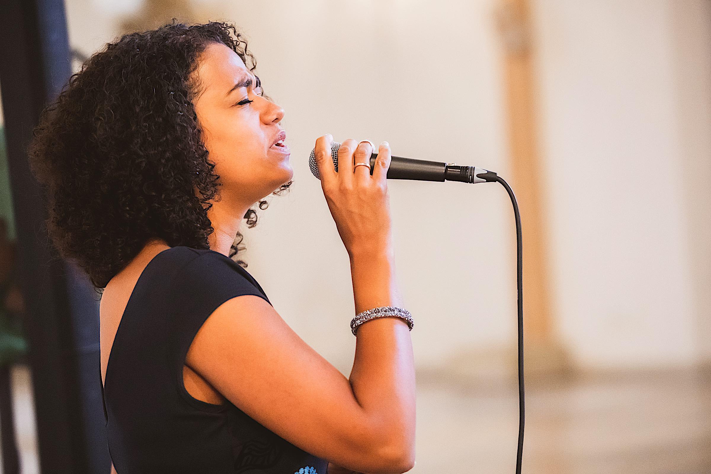 hochzeitssängerin | Hannover | Mieten | Sängerin | Kirchensängerin | Hochzeit | Lieder | Sängerin | Trauung | Sängerin | Trauung | Sängerin | Preise | Kirche | Nathalie | Chérestal | Lehmann | Eventservice