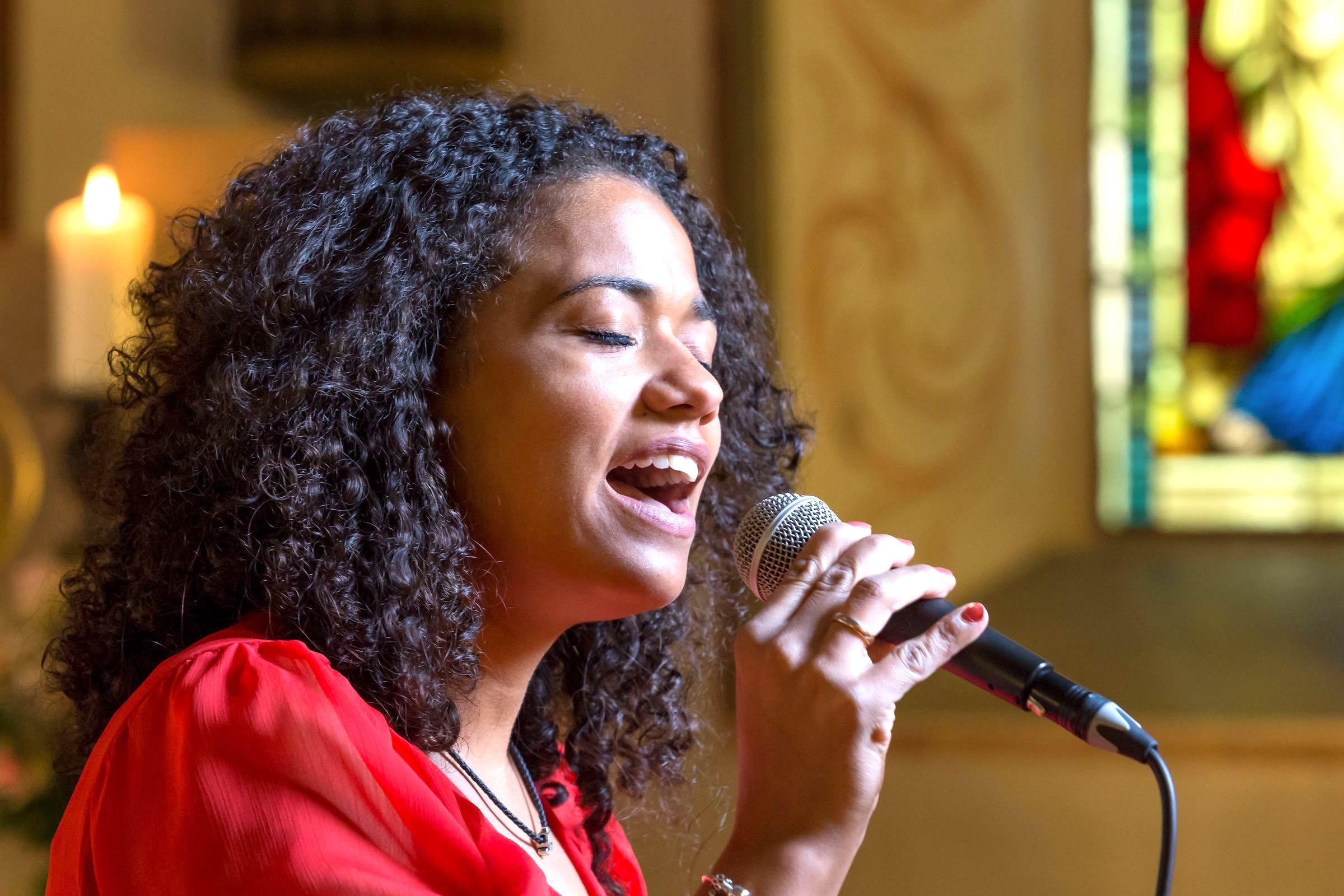 hochzeitssängerin | Sängerin | Kirchensängerin | Hochzeit | Lieder | Sängerin | Trauung | Sängerin | Trauung | Sängerin | Kirche | Preise | Buchen | Mieten | Nathalie | Chérestal | Lehmann | Eventservice