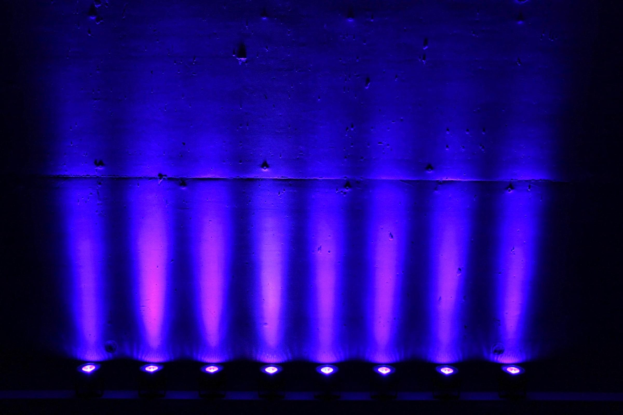 lichttechnik |Indoor |Ambiente |Beleuchtung |Veranstaltungstechnik |Fassadenbeleuchtung |Firmenfeier |Show |Gala |Akku |LED |Spots |Outdoor |Scheinwerfer |Mieten |Buchen