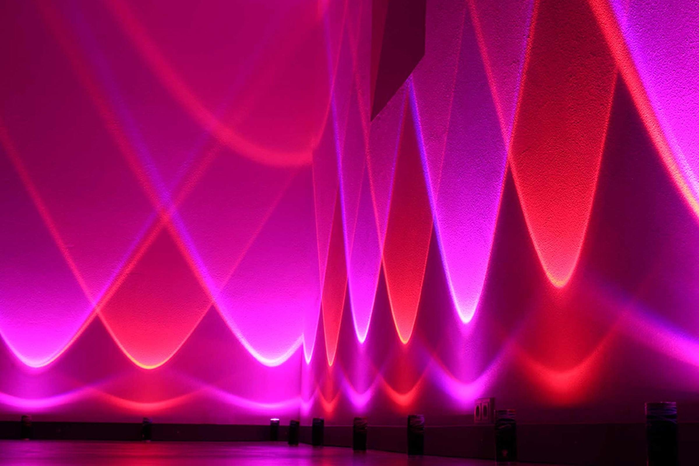 lichttechnik |Indoor |Ambiente |Beleuchtung |Veranstaltungstechnik |Raumbeleuchtung |Location |Messestand |Firmenfeier |Show |Gala |Akku |LED |Outdoor |Spots |Scheinwerfer |Mieten |Buchen