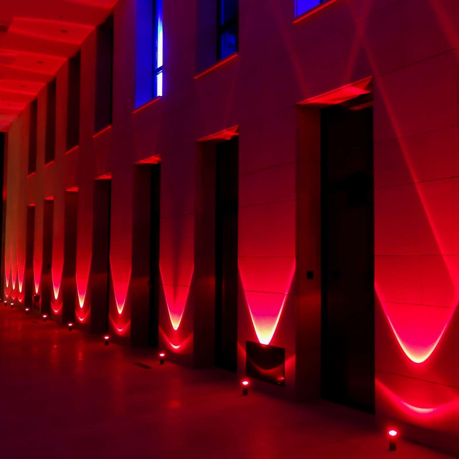 lichttechnik | Indoor | Hannover | Firmenfeier | Ambientebeleuchtung | Gala | Hochzeit | Show | Raumbeleuchtung | Akku | LED | Indoor | Spots | Scheinwerfer | Buchen | Mieten | Lehmann | Eventservice