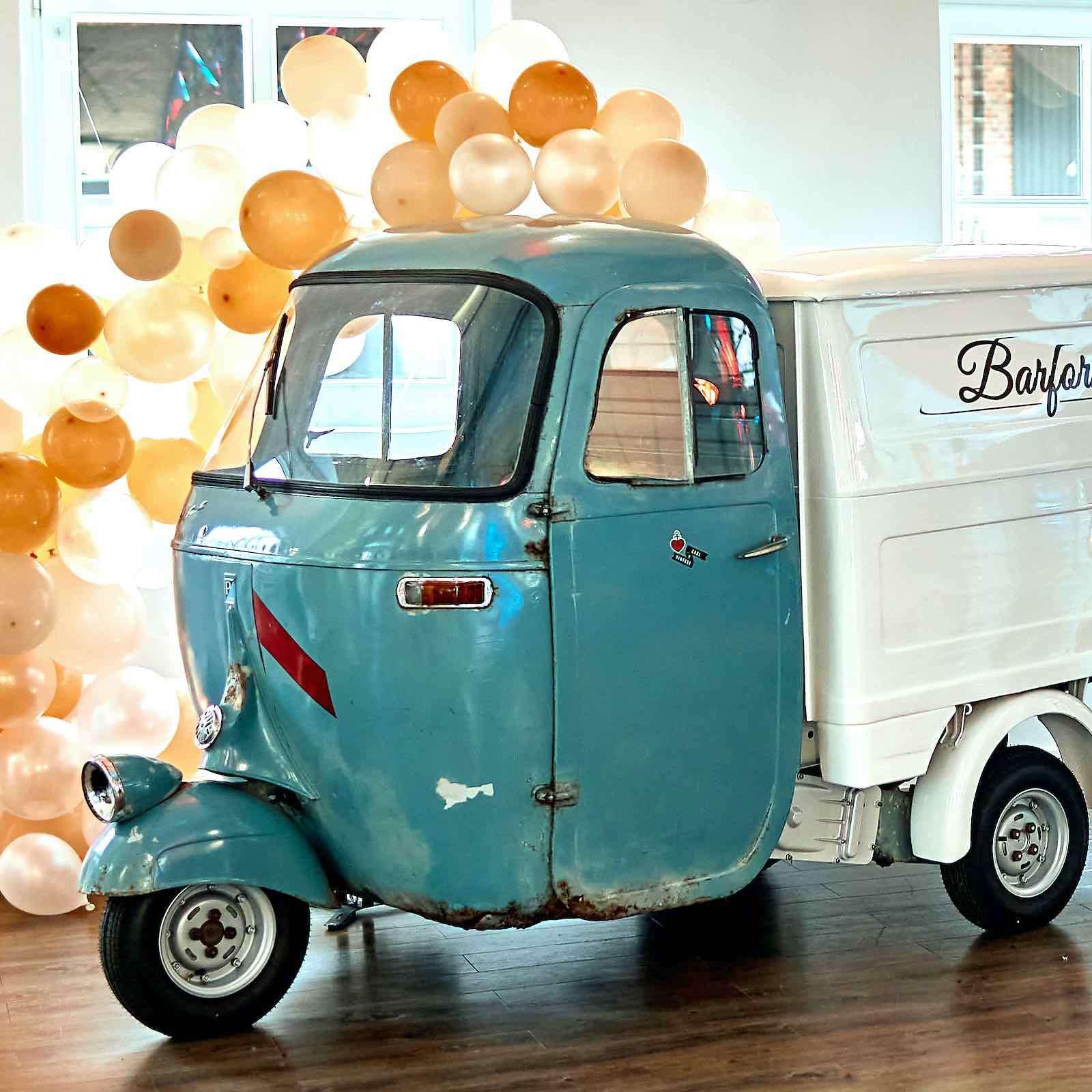 Hochzeitsauto | Oldtimer | Hochzeit | Auto | Hochzeit | Brautwagen | Brautauto | Vespa | Ape | Farro | Basso | Event | Fahrzeuge | Mieten | Buchen | Anfragen | Hannover
