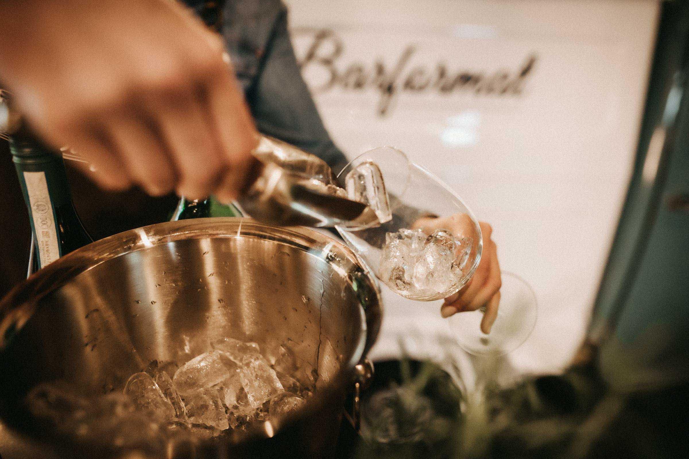 Lehmann | Eventservice | Mobile | Bar | Hannover | Hamburg | Bremen | Braunschweig | Cocktailbar | Sektempfang | Bulli | Bar | Cocktailservice | Barkeeper | Messen | Firmenfeiern | Hochzeit | Catering | Food | Truck | Getränke